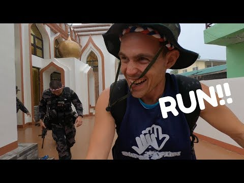 RUNNING WITH LOCAL FILIPINO POLICE IN BASILAN... (Muslim Friends Philippines)
