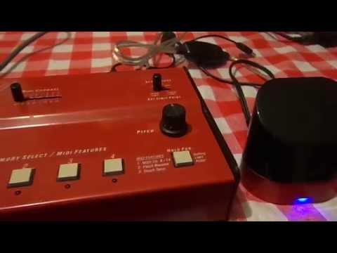 360 Systems Midi Bass - Seinfeld bass theme/intro =)