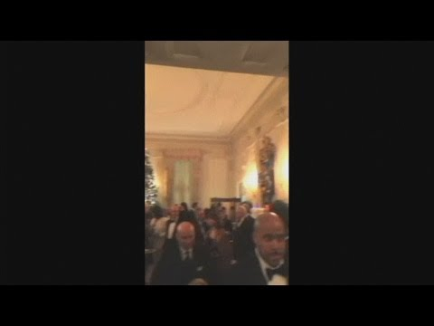Snoop Dogg films his visit to the White House Mp3