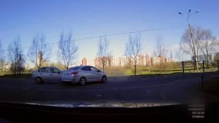 Водитель Соляриса не уступила дорогу 14 05 17