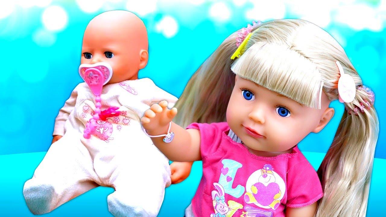 ¡NUEVO! La hermanita Bebé. Muñecas Bebé BABY BORN. Videos de juguetes para niñas en español.