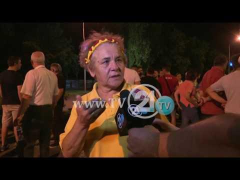 PROTESTË PARA GJYKATËS THEMELORE AKTIVISTË TË VMRO-DPMNE KUNDËR PADIVE TË PPS