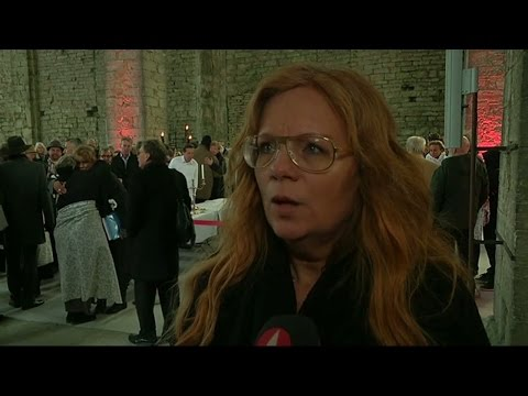 """""""Önskar att hon var här"""" - Ainbusk-medlemmarna minns Josefin Nilsson - Nyheterna (TV4)"""