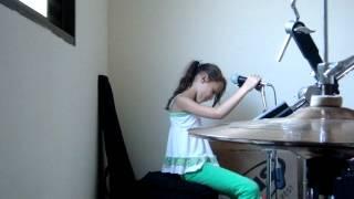 Nanda Silva cantando Garota de Ipanema
