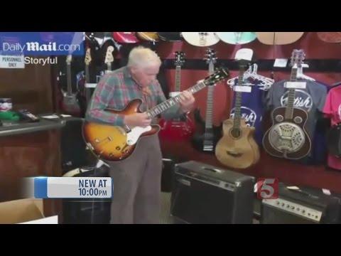 81-Year-Old Nashville Guitar Player Goes Viral