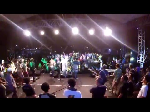 Fullmoon Ft. M2R Jamming Cafe Band - Rastaman In Lombok (Eng