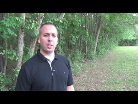 The GeoScoop : Geocaching Show Ep.2 {Poison Ivy, GeoBag & Perks}