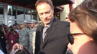 Gary Sinise Arrives in Columbus