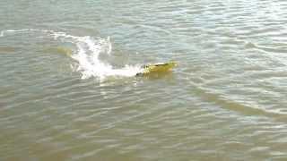 "GT-3775 ""Interceptor"" RC Racing Boat by Jaycar Electronics"