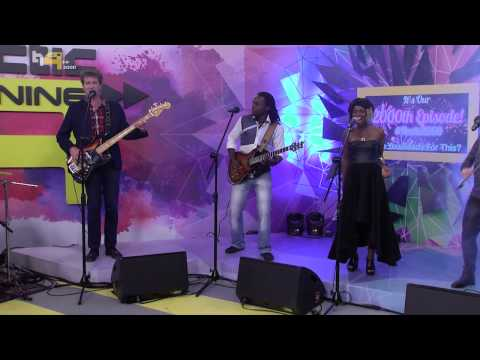 Live Performances: Freshly Ground Performs Shake It