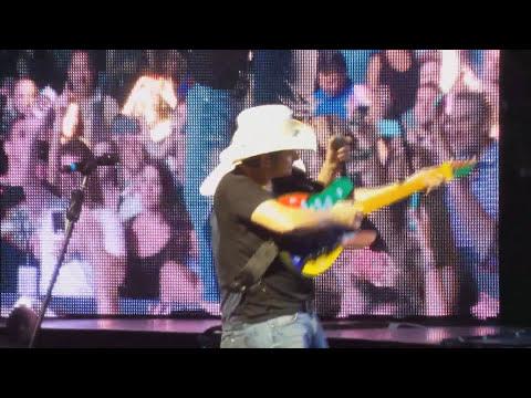 Brad Paisley Concert Tampa Fl 10-2-15