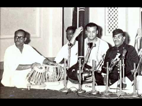 RAGA YAMAN-USTAD NISAR HUSSAIN KHANSAHEB-USTAD SHAIK DAWOOD TABLA 1965