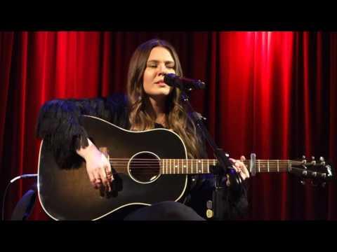 Jesse & Joy – Corre! (Acoustic) – Grammy Museum