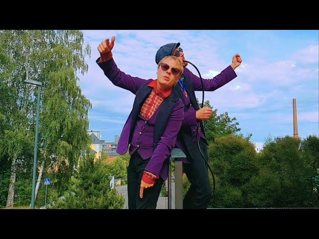 Velvet Boyz - Rullaan rullaan (Musiikkivideo)