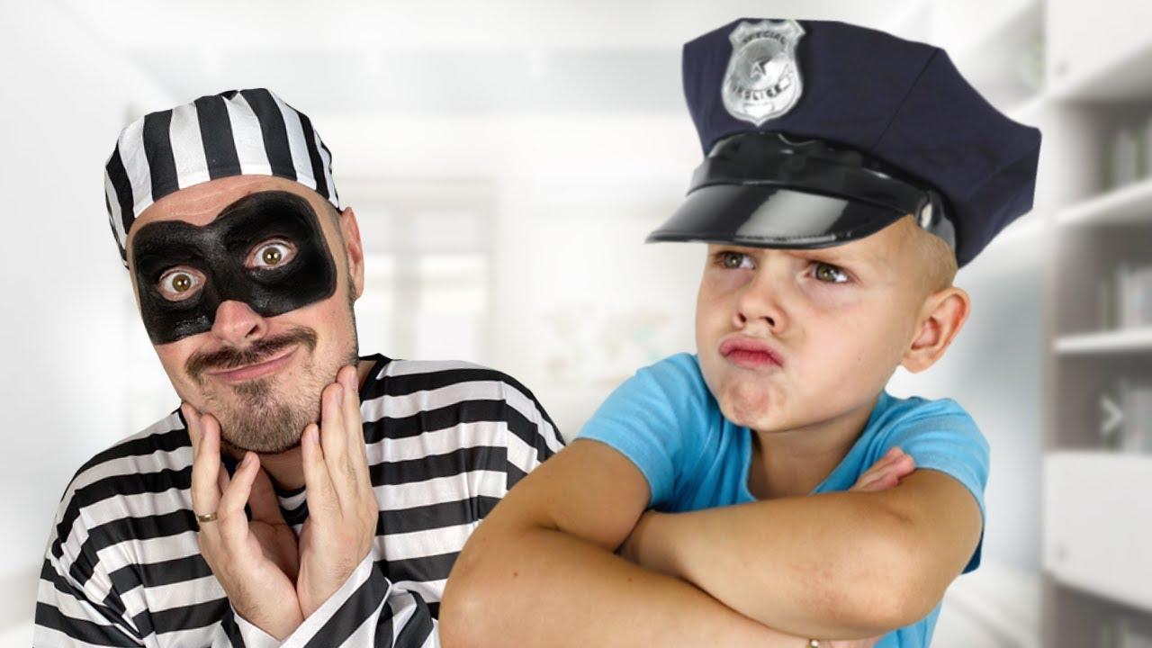 Платоха Моха играет с папой в полицейского и учит Правила безопасности для детей