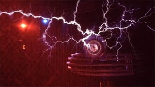 Do You Want to see Lightning Coming Right at You? Musical Tesla Coil at RMSC