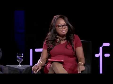 """Star Jones moderates the """"Living Happy, Healthy, and Maybe Forever"""" panel at Platform Summit 2015"""