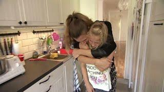 Många tårar när kattungarna måste säljas  - Familjen Annorlunda (TV4)
