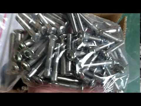 China Pan head half thead torx screw manufacturers