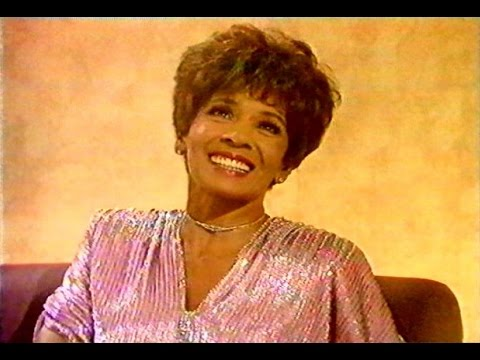 Shirley Bassey  -Interview with Terry Wogan-