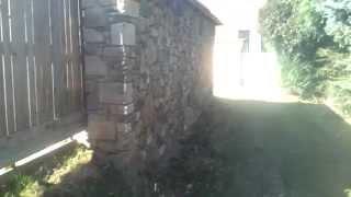 kamenná zed po opravě