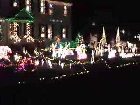 1 Bright Neighbor's 42,000 Christmas Vacation Lights