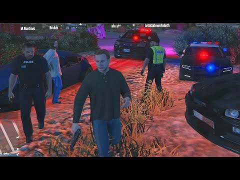 GTA 5 fiveM RolePlay - They Think Im a COP LOL ! / Cop KNOWS ME!!