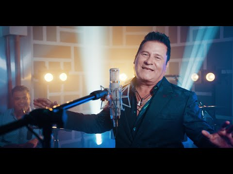 Roberto Antonio – Un Día Interminable (official video) – Versión salsa