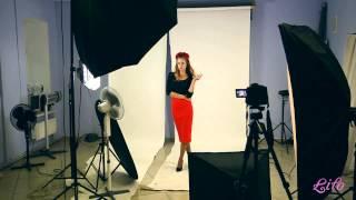 видео Красная юбка карандаш. С чем носить красную юбку карандаш? Образы с юбкой карандаш красного цвета