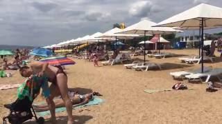 Доминика (Береговое, Феодосия) - дорога от отеля к морю(Доминика (Береговое, Феодосия): сколько времени занимает дорога к морю, как выглядит пляж и морское дно., 2016-07-25T12:05:27.000Z)