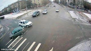 ДТП в Серпухове. Она не уступила дорогу... 25 февраля 2017г.(ДТП в Серпухове. Она не уступила дорогу... 25 февраля 2017г. IP-видеонаблюдение