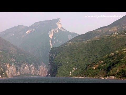 Yangtze River Cruise, Qutang Gorge - China Travel Channel