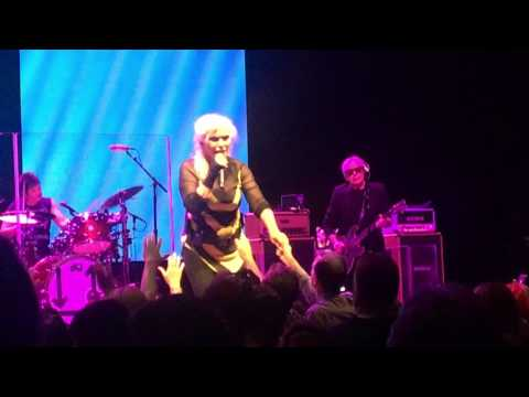 Blondie - Toronto - July 26, 2017 - Fragments, Too Much, Long Time, Atomic & Heart of Glass