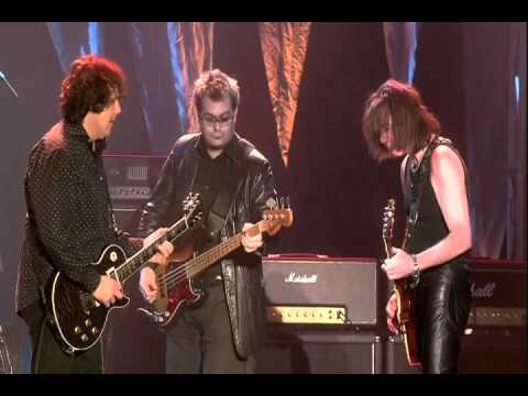 Gary Moore - Emerald (Tribute to Phil Lynott) [HQ] [4/10]