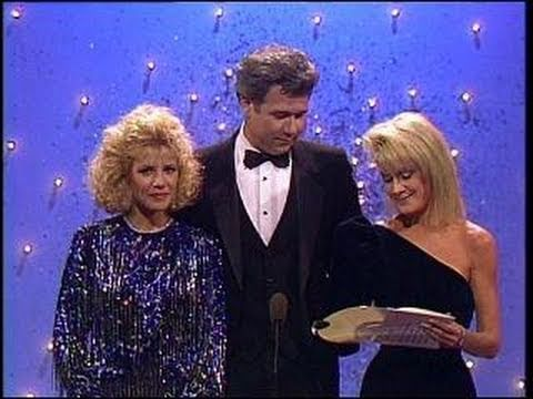 Bruce Willis Wins Best Actor TV Series Musical or Comedy - Golden Globes 1987