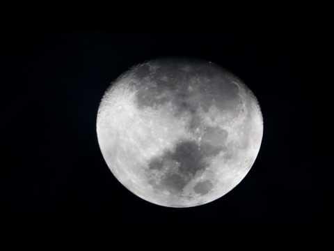 Moon 2017-03-09 Skywatcher 250 Dobson
