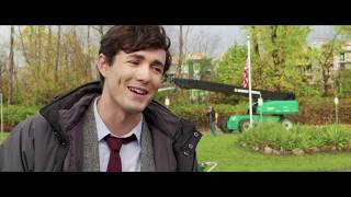 A Dog's Way Home - Itw Jonah Hauer King (official Video)