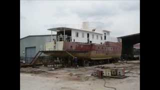Construction of a 30m yacht at Vuot Song Shipyard