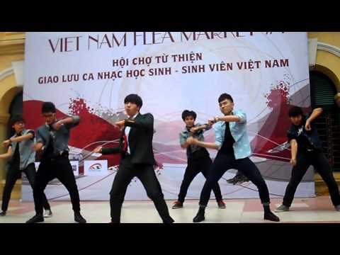Chi Pu nhảy Gangnam Style cùng ST. 319 tại Flea Market