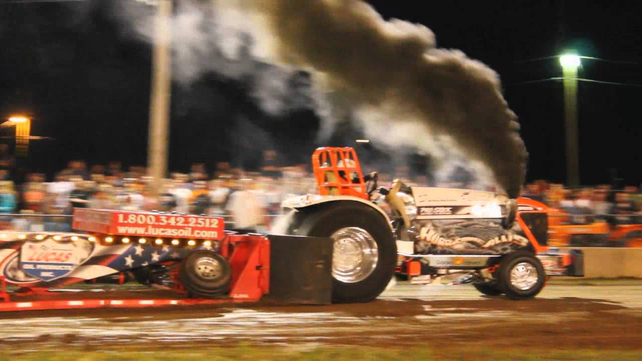 4 X 4 >> Smoke & Noise Truck and Tractor Pull 2011 - YouTube