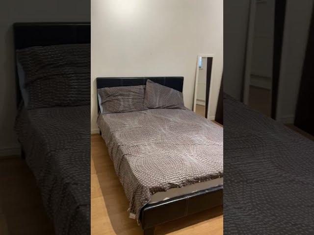 Large Double En-Suite Room Altrincham Main Photo