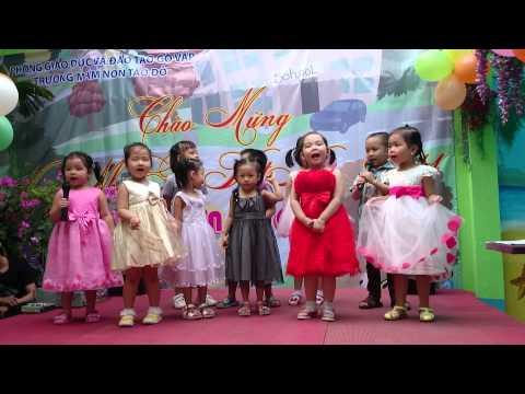 Cô giáo miền xuôi - tập thể các bé Trường Mầm Non Táo Đỏ hát tặng cô trong ngày 20/11/2014
