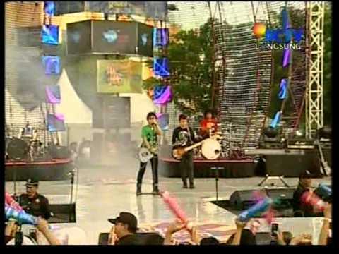 Zivilia Live Performed di HIP HIP HURA Langit Musik (10/07) Courtesy SCTV