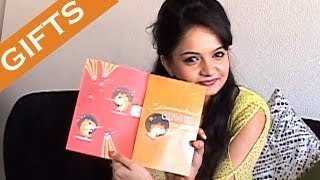 Exclusive - Giaa Manek Receive Gifts from her Fans