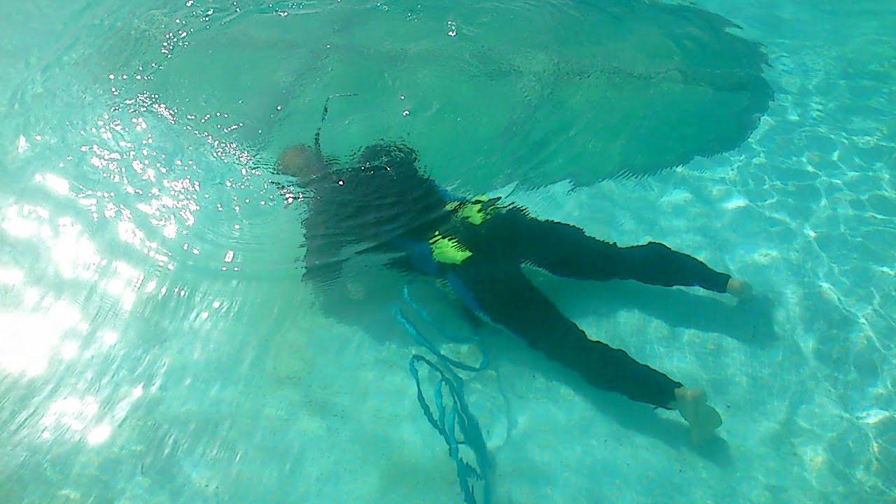 Localizar detectar sellar reparar fisuras grietas y fugas de agua en piscinas bajo el agua - Reparar filtraciones de agua ...