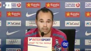 Iniesta prefiere no pensar de momento en el clásico ante el Real Madrid