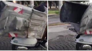 Napoli, ruba un cassonetto della nettezza urbana e lo porta via in motorino