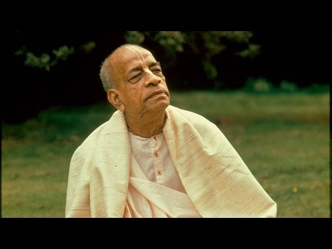 """Crazy Fellows and Colorful Life"" by Srila Prabhupada (SB 3.26.05) Bombay, December 17, 1974"