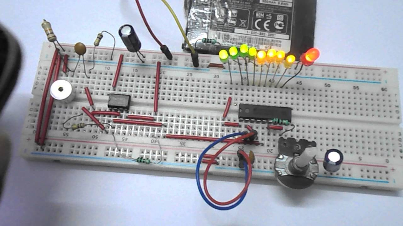 Led Vu Meter Using Lm3914 And Lm358 Youtube Schematic Of Two Ics Cacaded Together To Get A 20 Voltage