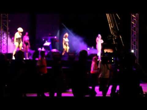 Hande Yener-Vay(Canlı Performans)